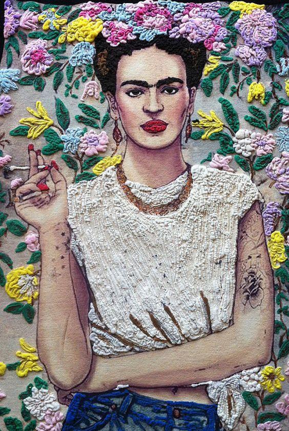 Frida hímezve és modern stílsuban.